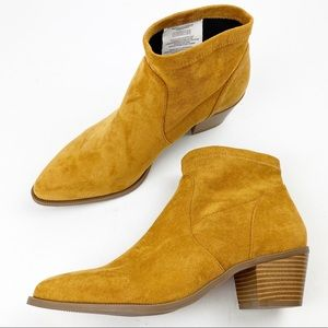 AEO Western Camel Ankle Bootie Faux Suede T304